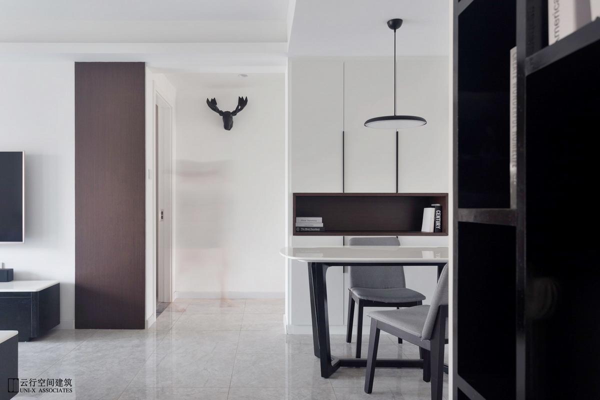 餐厅图片来自云行设计-邢芒芒在最后的黑白丨理性的家的分享
