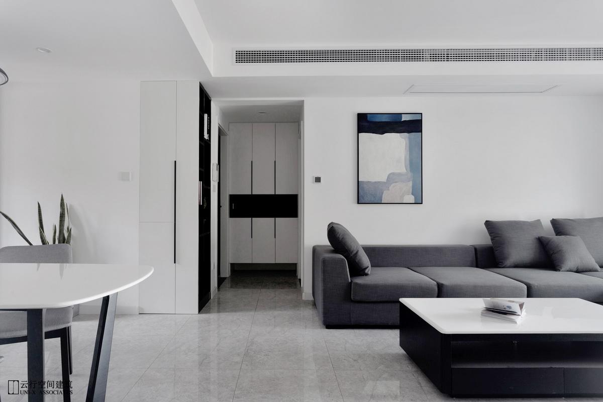 客厅图片来自云行设计-邢芒芒在最后的黑白丨理性的家的分享