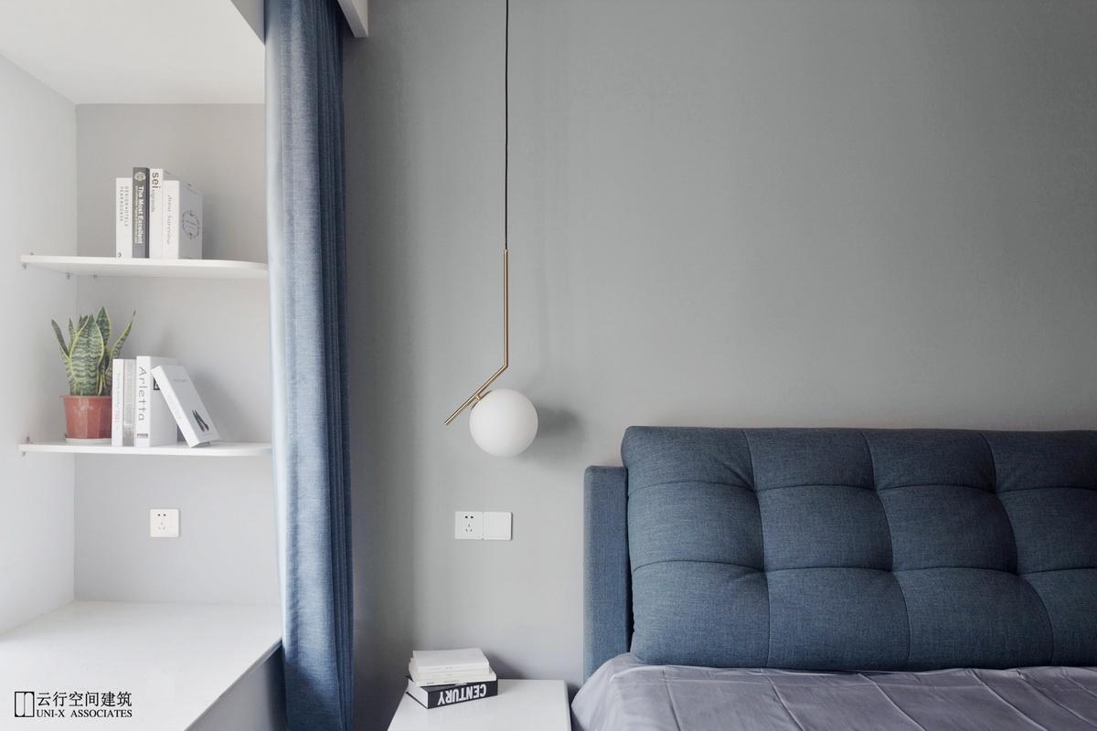 卧室图片来自云行设计-邢芒芒在最后的黑白丨理性的家的分享