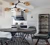 开放式的厨房,增加了整体的空间感,敞亮舒适。
