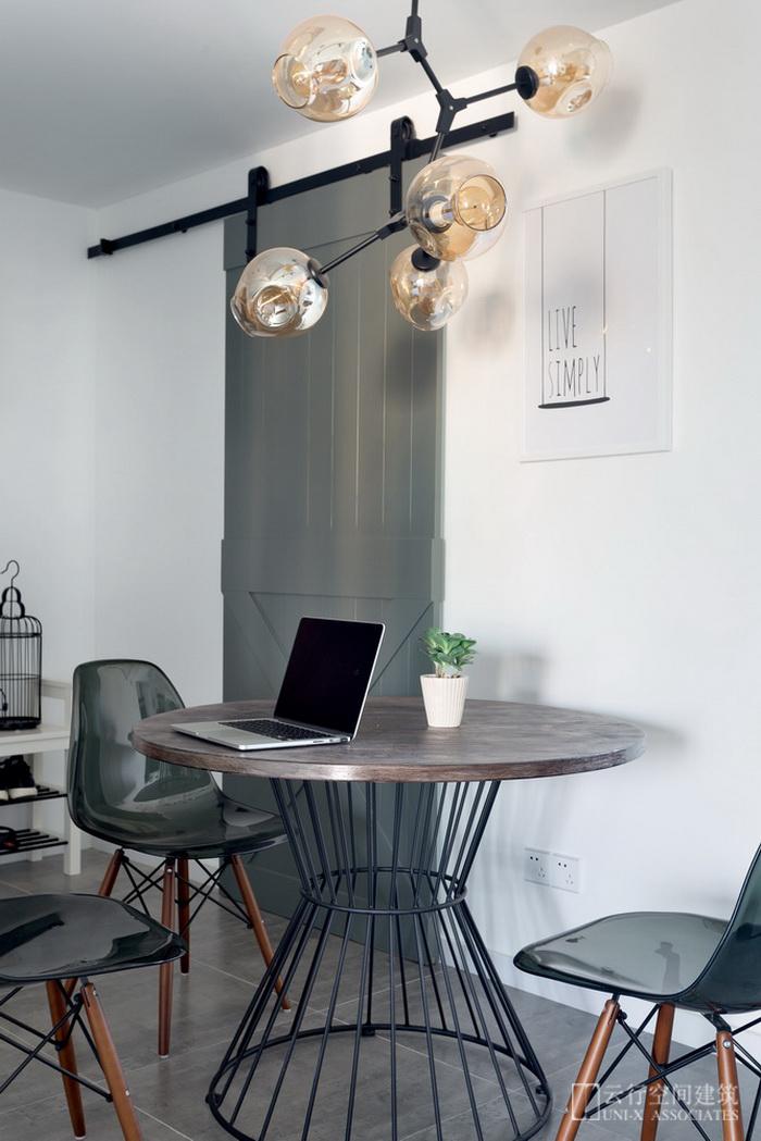餐厅图片来自云行设计-邢芒芒在墨调 丨 给予信任的家的分享
