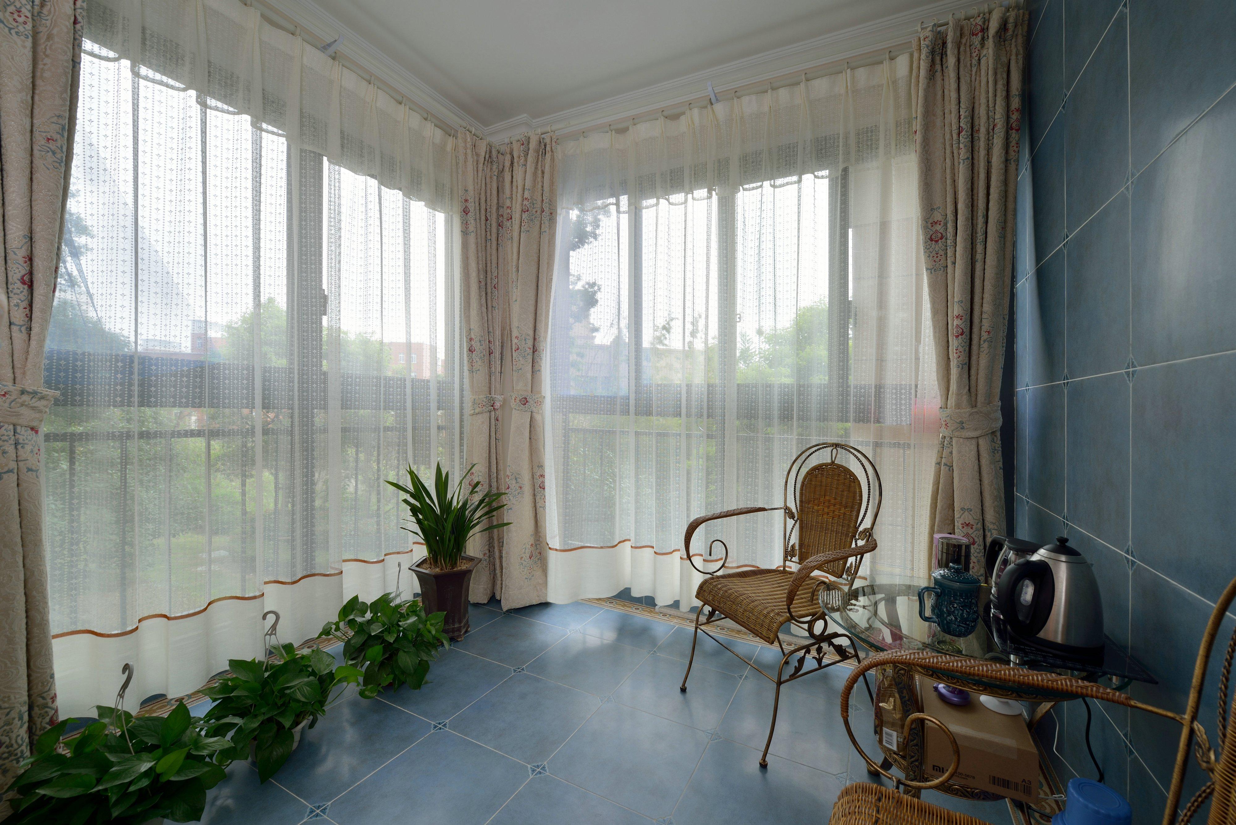 三居 阳台图片来自金煌装饰有限公司在没有吊顶的简欧风格的分享