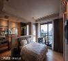 建商希望空间能呈现最大尺度,故床头墙特意采半高设计,让空间视感更加开阔放大。