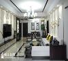 客厅与餐厅一体,让空间更加通透,中式风格的茶几、椅子相得益彰。