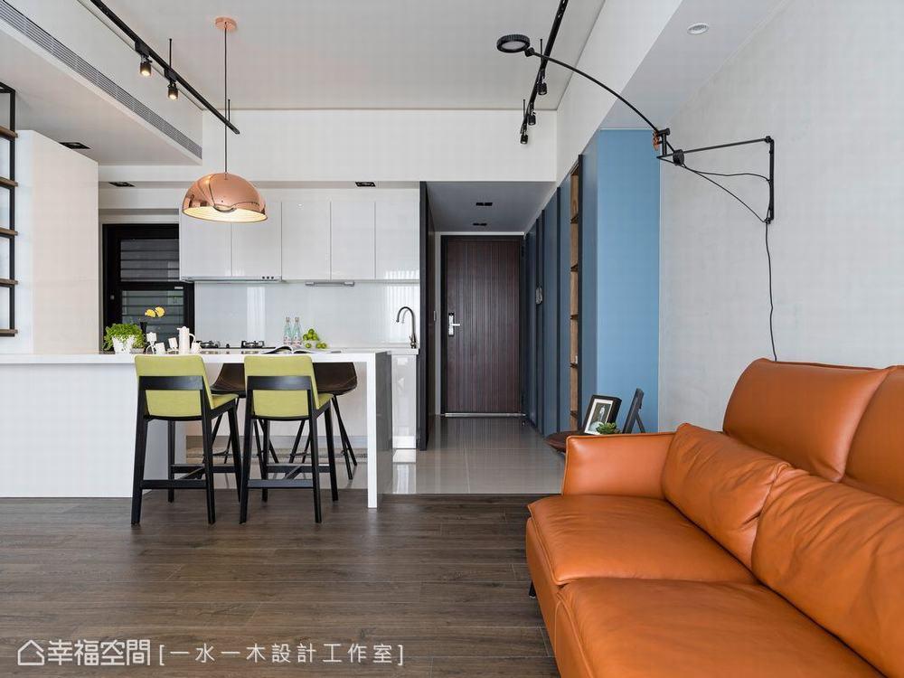 三居 小户型 工业风 客厅图片来自幸福空间在微工业生活感 63平三代温馨宅的分享