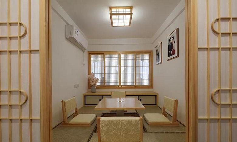书房图片来自家装大管家在质朴清雅 97平日式原木系空间的分享