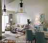 全室采开放式设计,不施以多余的隔间墙,以各自鲜明的颜色、花样作为机能分界,使小小的空间各自精彩却又完美和谐。