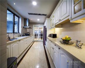 新古典 现代 四居室 奢华 高贵 厨房图片来自广州名雕装饰在中海千灯湖一号实景:简约而高贵的分享