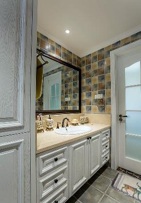 美式 混搭 三居 小资 卫生间图片来自家装大管家在安静的生活 180平美式淡雅3居室的分享