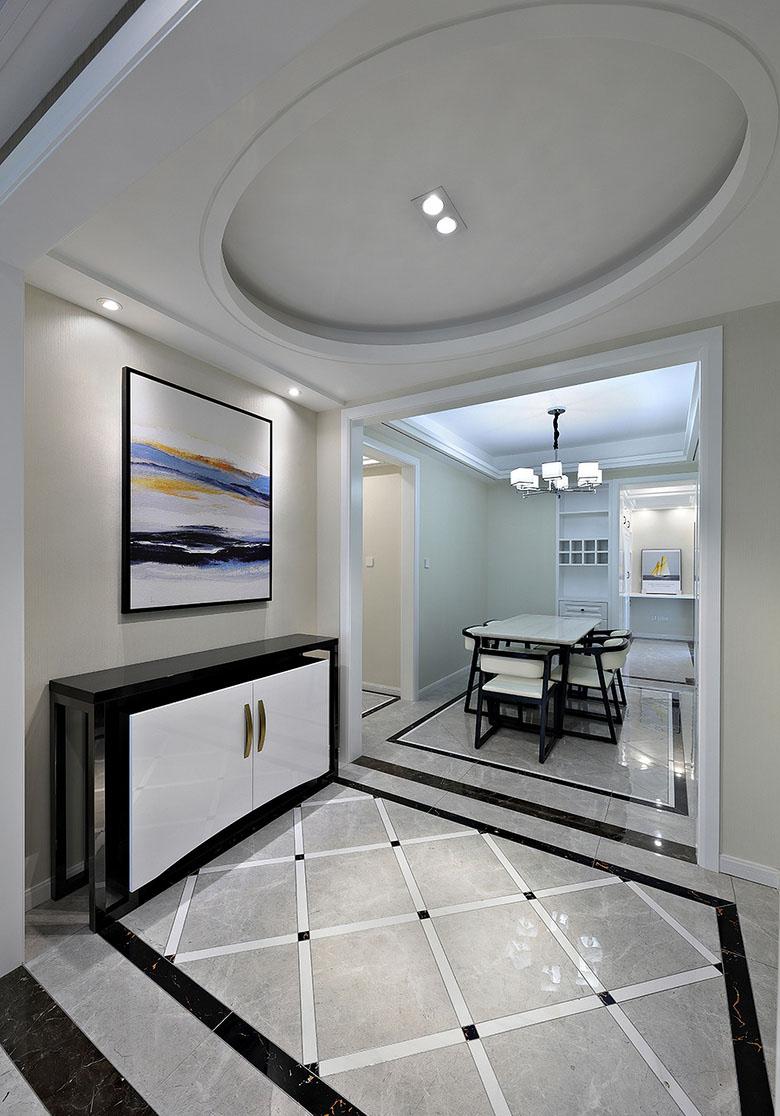 玄关图片来自家装大管家在美观舒适 139平现代大气风3居室的分享
