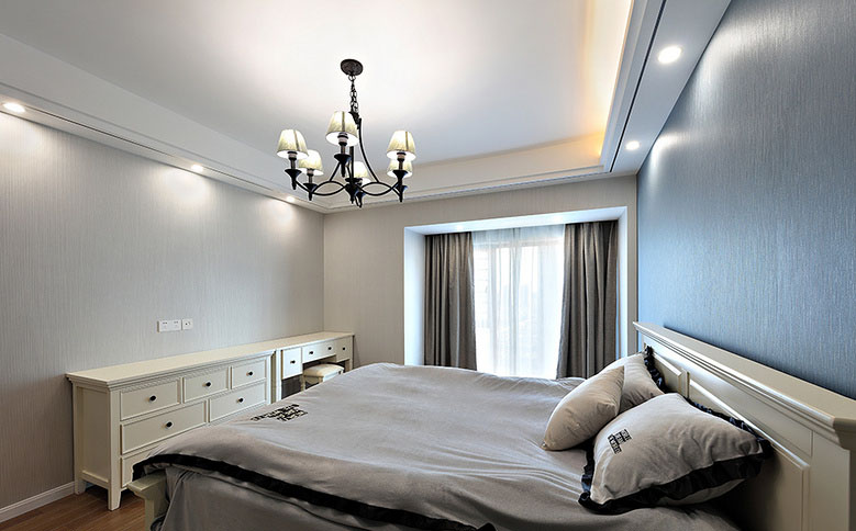 卧室图片来自家装大管家在美观舒适 139平现代大气风3居室的分享