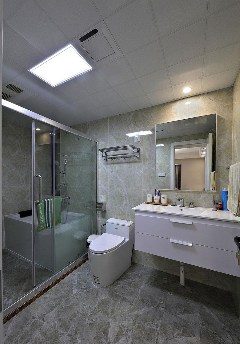 卫生间图片来自家装大管家在美观舒适 139平现代大气风3居室的分享