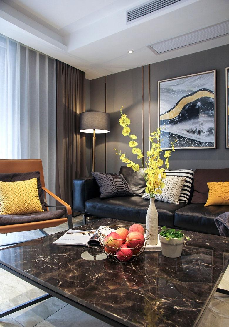 客厅图片来自家装大管家在128平现代简约3居 年轻人轻奢风的分享