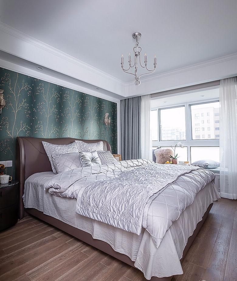 卧室图片来自家装大管家在魅力十足 130平法式时尚贵族生活的分享