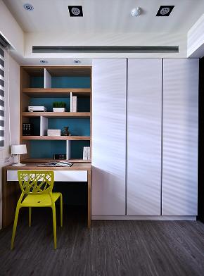 现代 三居 大户型 白领 80后 小资 二居 书房图片来自高度国际姚吉智在138平米后现代黑白灰静谧的格调的分享
