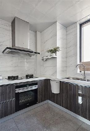 简约 美式 混搭 三居 小资 厨房图片来自家装大管家在舒适为主 112平简约美式混搭3居的分享