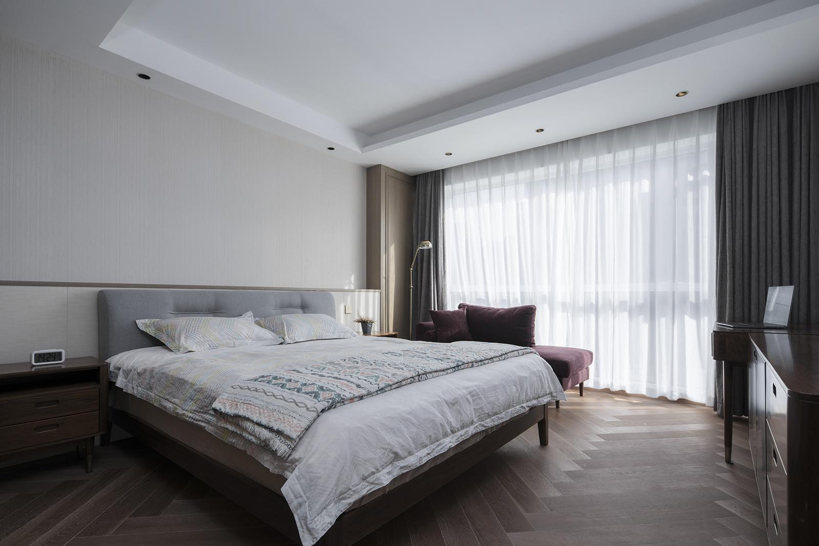 简约 混搭 三居 别墅 白领 收纳 80后 小资 卧室图片来自7KK DESIGN在如何把236平方改造成400平方使用的分享