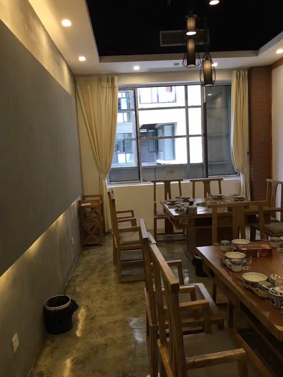 简约 混搭 三居 现代风格 火锅店设计 火锅店装修 餐厅图片来自尚品老木匠装饰设计事务所在舌尖上的美味-火锅店设计的分享