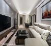 空间凭借以人为本的设计理念,如玄关走道的天花高度略低于客厅,打造最为舒适的生活尺度。