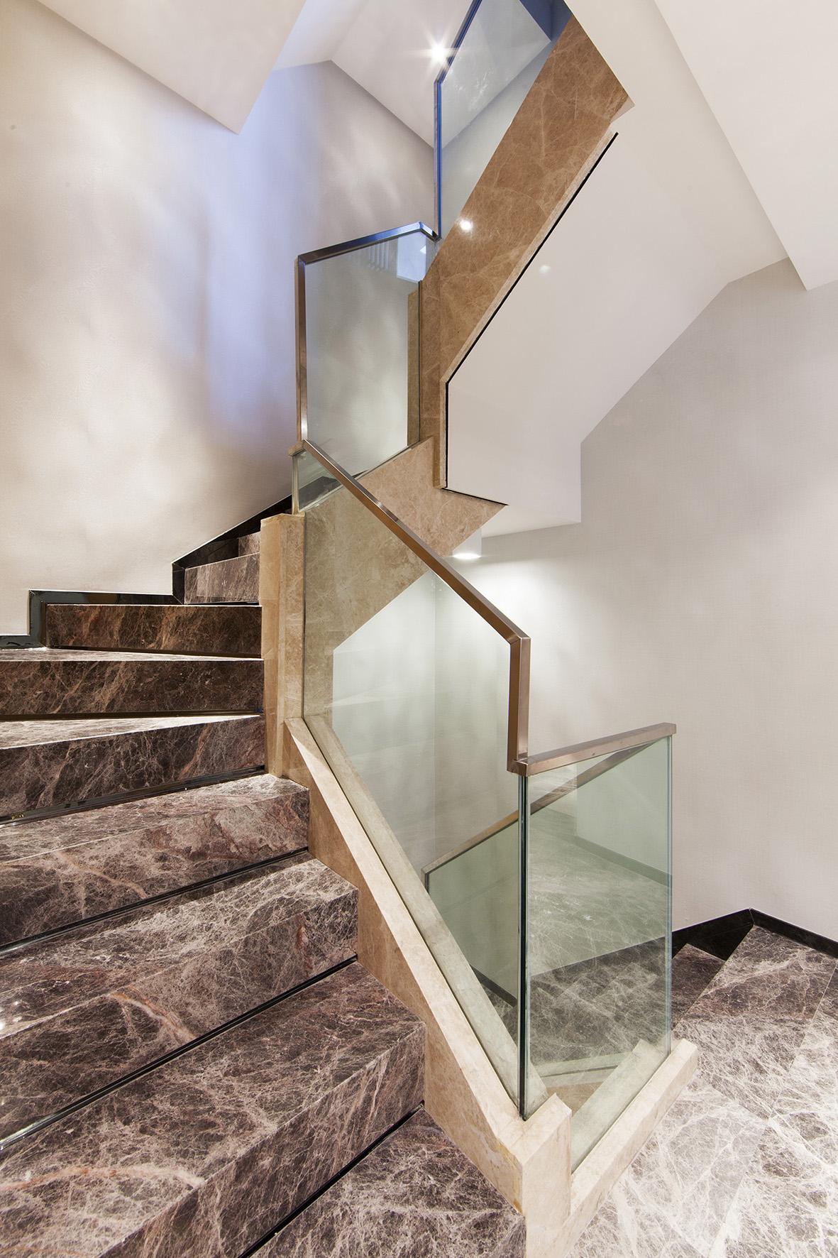 别墅 别墅装修 别墅设计 紫玉山庄 现代风格 楼梯图片来自北京高度国际在时尚不简单,紫玉山庄现代风格的分享
