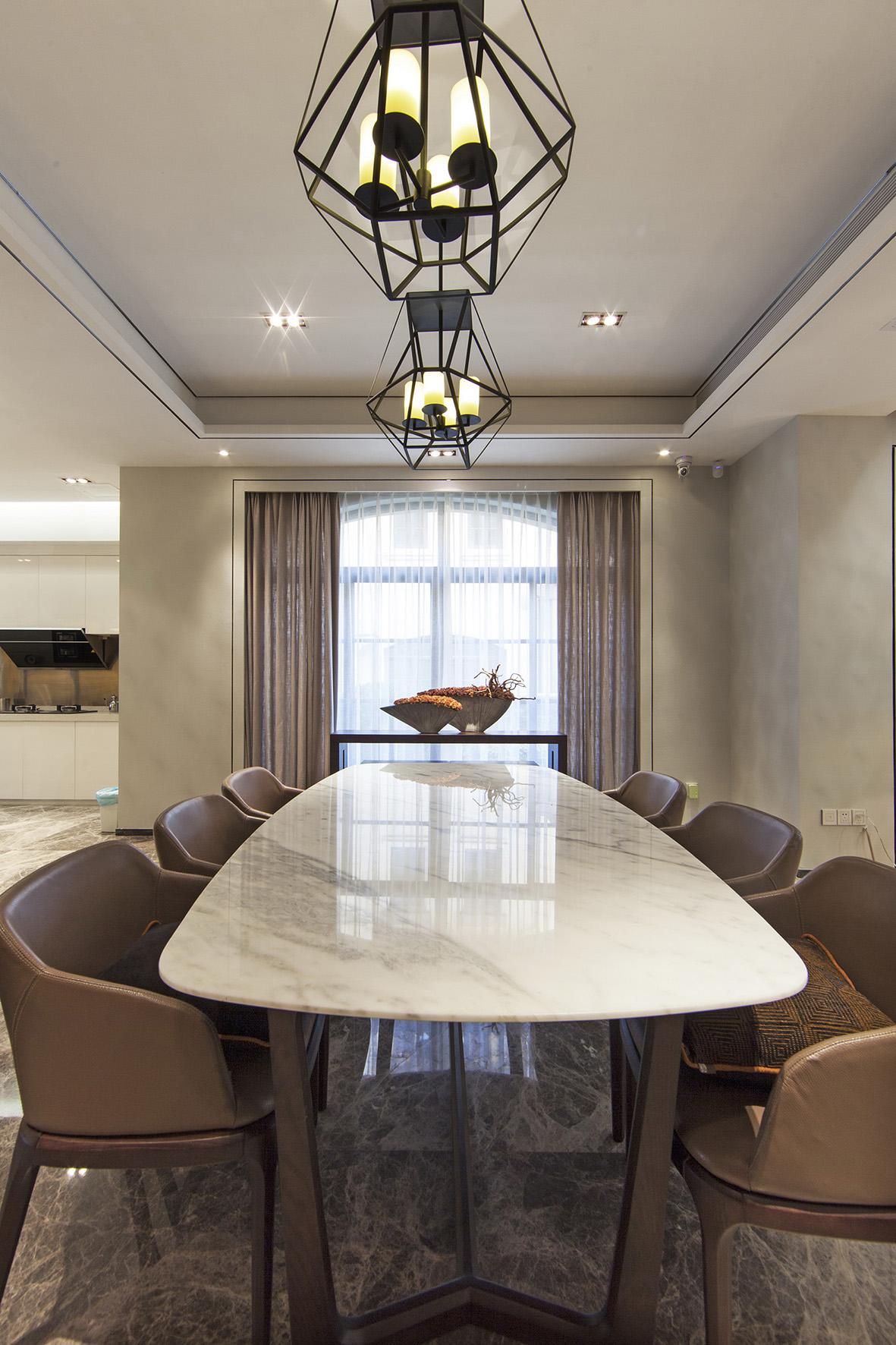 别墅 别墅装修 别墅设计 紫玉山庄 现代风格 餐厅图片来自北京高度国际在时尚不简单,紫玉山庄现代风格的分享