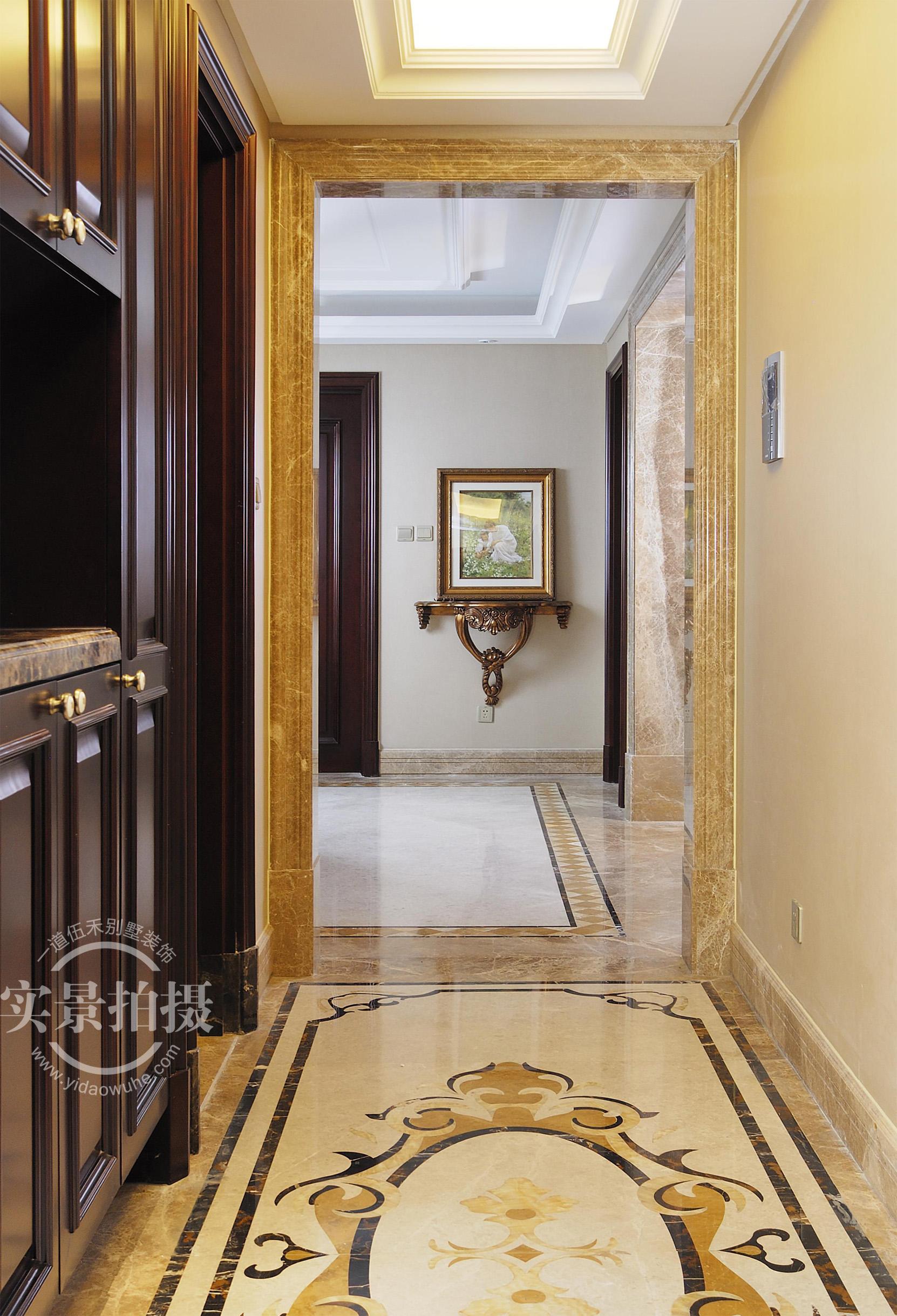 简约 法式风格 三居 玄关图片来自别墅设计师杨洋在古典华贵法式--橡树湾装修设计的分享