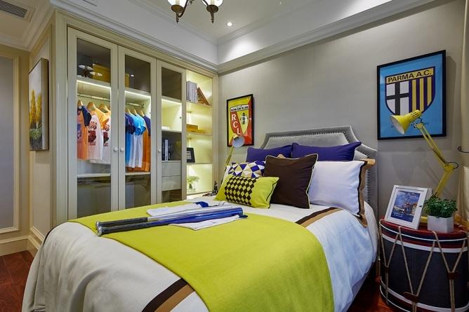 卧室图片来自中标水平全案设计在菱角湖壹号的分享