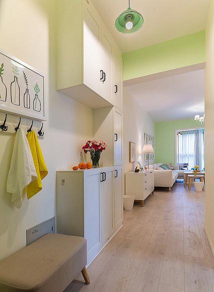 玄关图片来自家装大管家在温馨舒适 96平现代简约雅致3居的分享