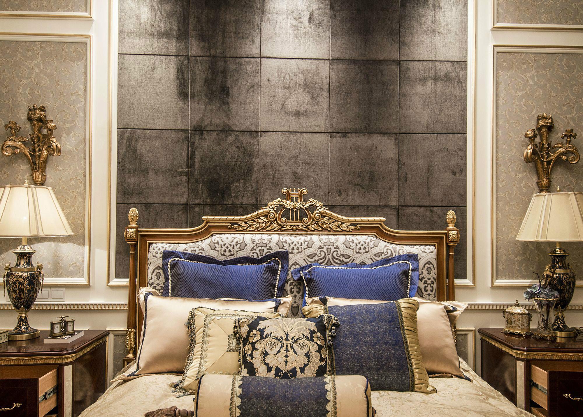 卧室图片来自北京高度国际在大气,高贵--欧式别墅的分享