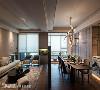 现代风为题的空间中,天花板也适度施以俐落的线条变化,让整体设计更具层次感。