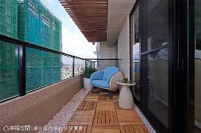 新古典 装修设计 室内设计 设计作品 家居风格 阳台图片来自幸福空间在298平,奢华高雅 新古典风水宅的分享