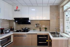 现代 胭脂设计 四居 收纳 厨房图片来自设计师胭脂在那一抺深蓝 & 金月湾实景的分享
