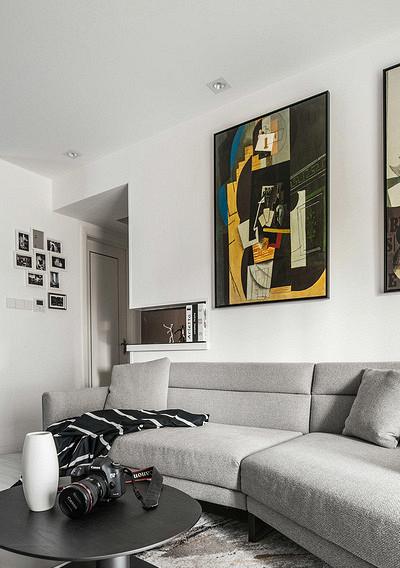 客厅图片来自家装大管家在生活不苟且 106平休闲港式3居室的分享