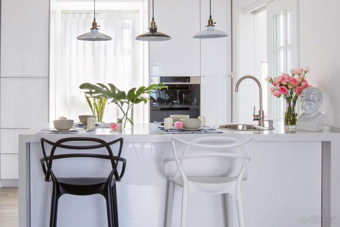 简约 二居 厨房图片来自言白设计在简单的家具的分享