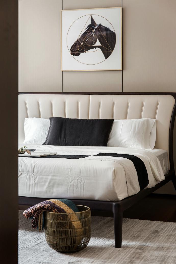 简约 三居 北欧 卧室图片来自言白设计在高级灰的分享