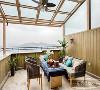 设计师用虚实结合的手法将空间与自然交汇融合,窗外的露台陈设自成一体,寄情于景,构筑一处天人合一的忘我境地。