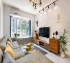 客厅休闲飘窗墙面贴了彩色的小花砖, 美观的同时也不怕小朋友玩耍时蹭脏!