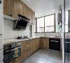 L型的橱柜是最适合小户型的厨房设计,不管是长条形还是正方形,选择设计L型的橱柜比一字型更多储物空间和操作台面,比U字型更多活动空间动线的布局非常合理,占用的面积也比较小
