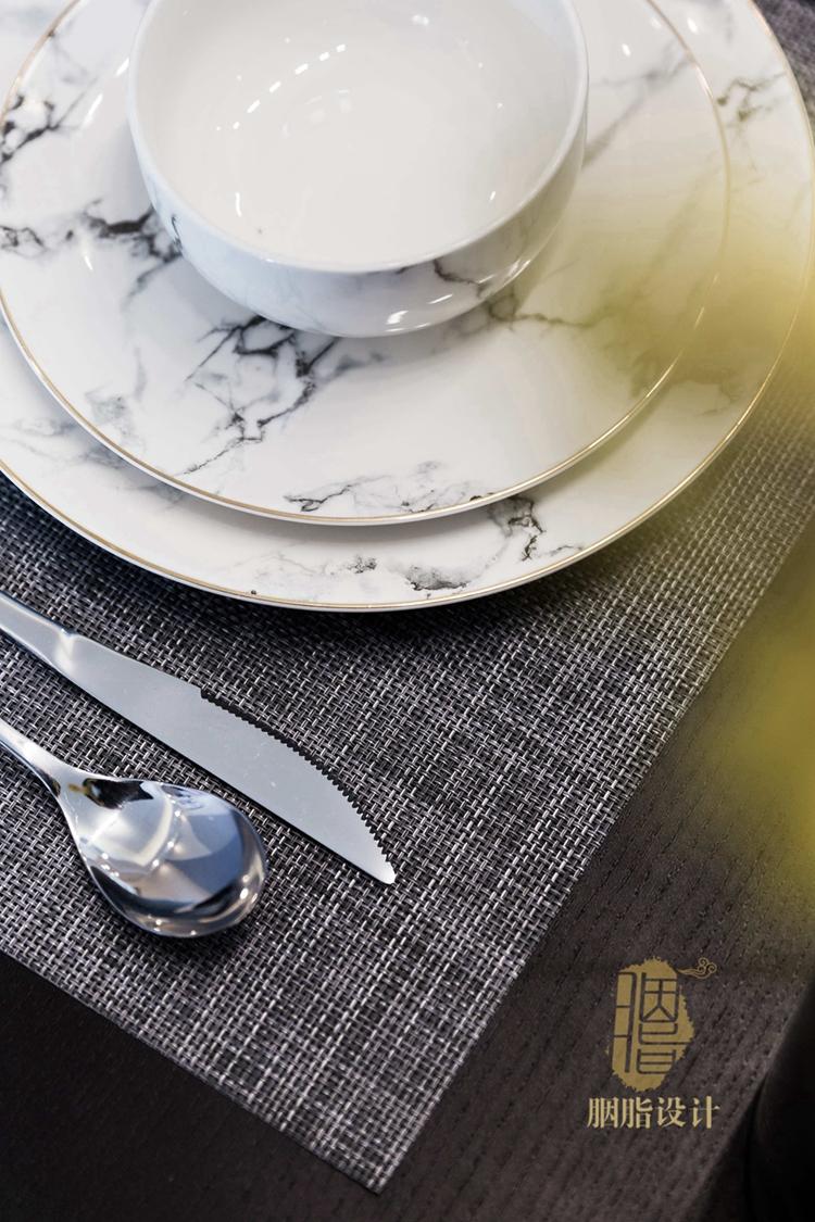 简约 三居 旧房改造 现代 胭脂设计 装修设计 餐厅图片来自设计师胭脂在米米のSuper Show的分享