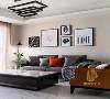 沙发背景墙选用最简单的方式点缀