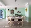 餐厅 嫩绿色的墙面搭配美式乡村风格家具、彩绘玻璃灯具与复古街灯造型壁灯,以铁件勾勒出古典气质。