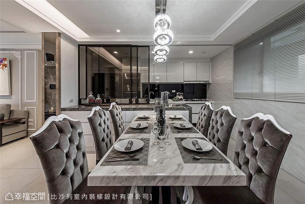装修风格 装修设计 新古典 时尚居家 餐厅图片来自幸福空间在136平,独树一帜 现代古典新美学的分享