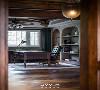 书房  关于书房的遐想,在于与卧室、过厅三者之间的相互贯穿。通透的视角让更多的风景可以进入室内。