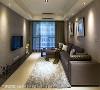 客厅 陈元旻设计师以灰色为背景色,透过中性的色调衬托画作为空间注入人文感受。