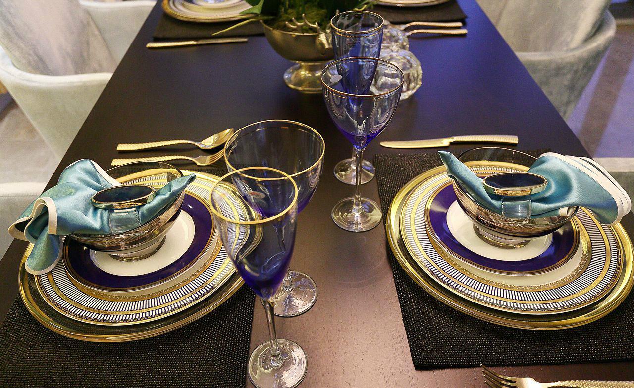 现代 简约 四居 大户型 复式 跃层 80后 小资 白领 餐厅图片来自高度国际姚吉智在176平米现代简约生活的质感的分享