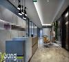 为了让办公环境高大上而又不显冰冷、毫无生气,加入了温润的木质元素和较为跳跃的色彩,为整个空间增添了生机与活力。