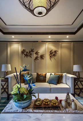 三居 中式 大户型 复式 跃层 别墅 80后 小资 客厅图片来自高度国际姚吉智在追寻心中的光 150平米新中式的分享