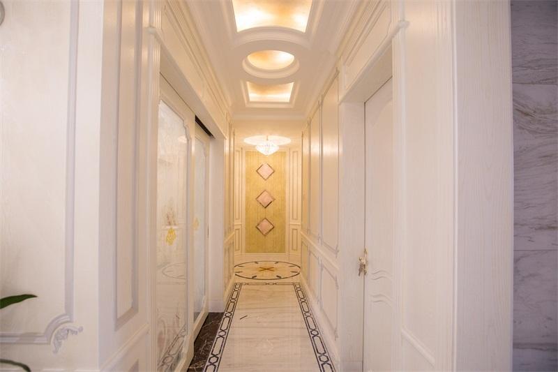 玄关图片来自装家美在阳光揽胜157平米欧式效果图的分享