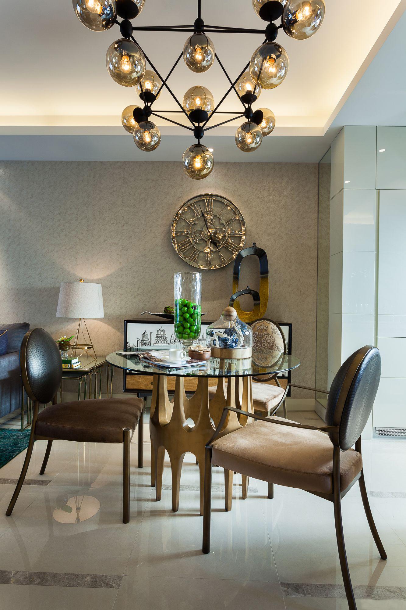 混搭 三居 大户型 复式 跃层 别墅 80后 小资 餐厅图片来自高度国际姚吉智在气质满满 160平米混搭风格装修的分享