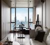 茶房+视听室 为屋主量身打造的茶房,落地窗引进绝美的品茗风景,配合家具和艺术品的摆置,增添一抹优雅的东方气息。